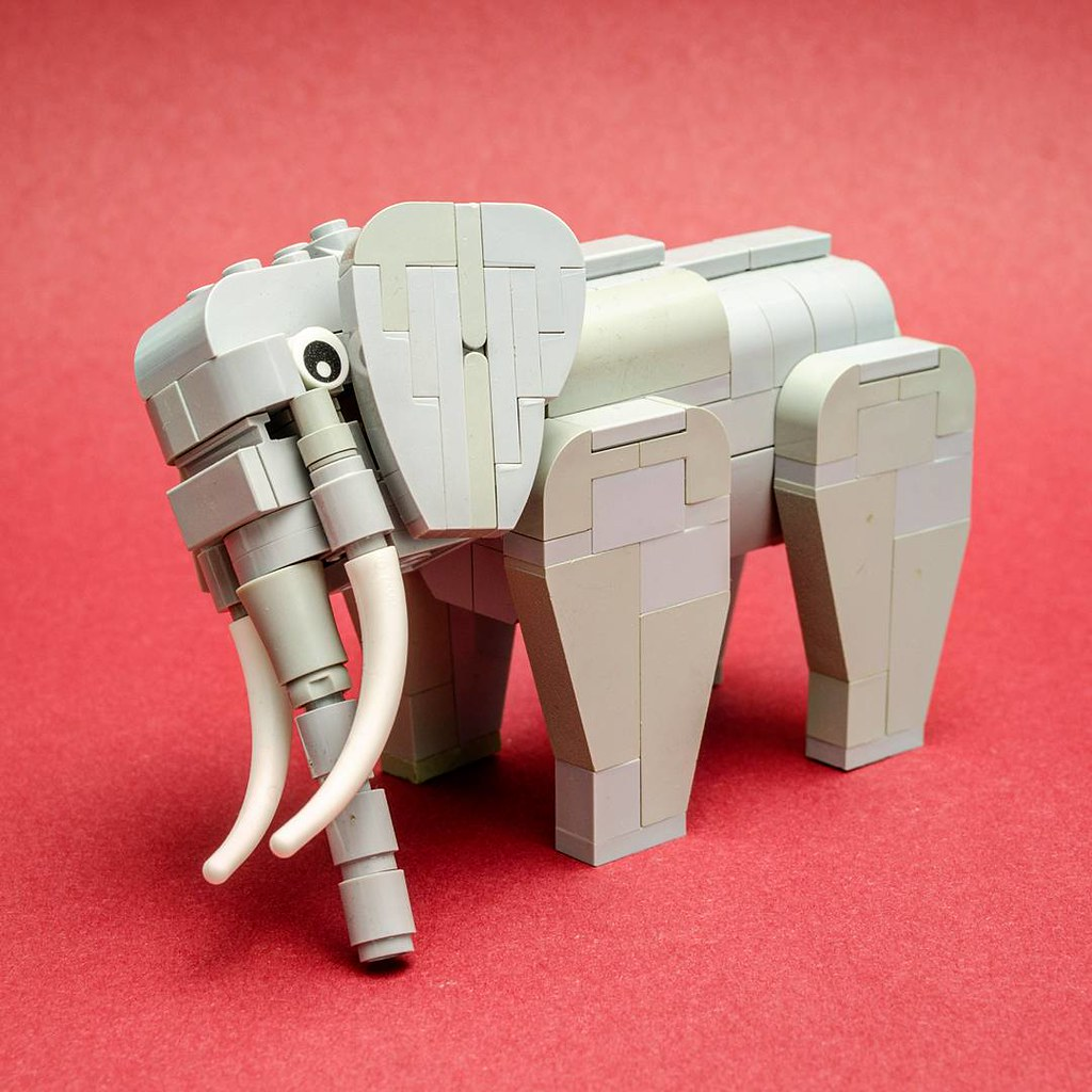 Oh look, it's an elephant and he says hi (custom built Lego model)