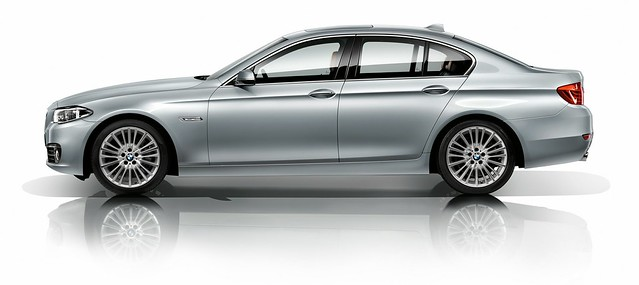 2014 BMW 5 Series Side
