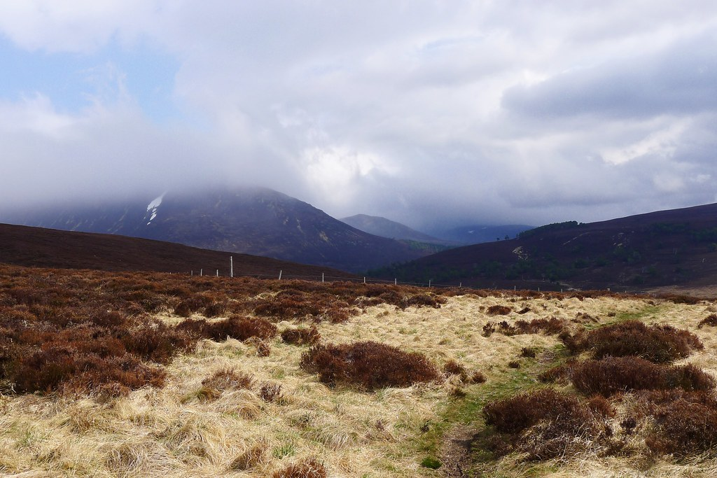 Cloud clearing in Glen Quoich