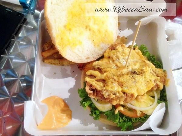 big hug burger subang - ss15-003