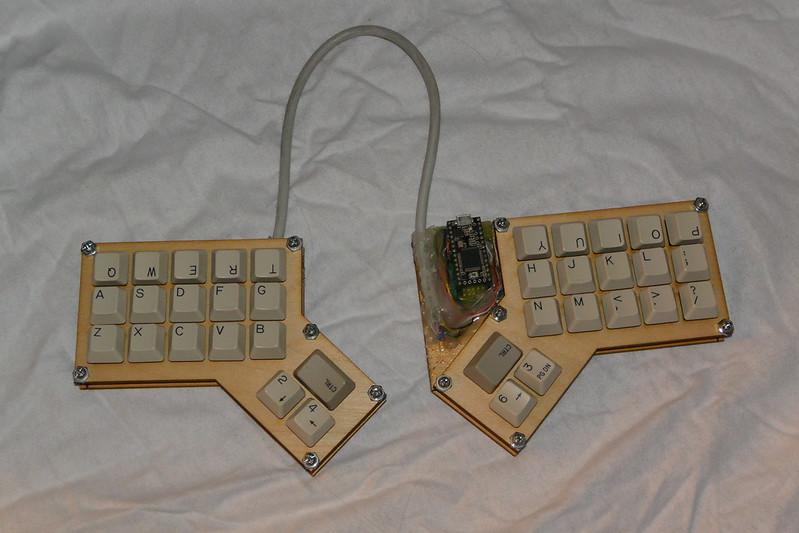 Simplified split keyboard - deskthority