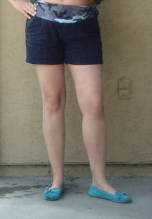 DIY Maternity Shorts -- http://www.hemandhaw.com/2013/07/maternity-sewing-more-diy-maternity.html