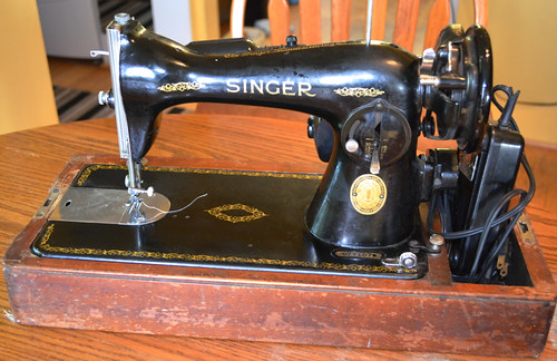 Singer Model 15-90, built 1948-1954