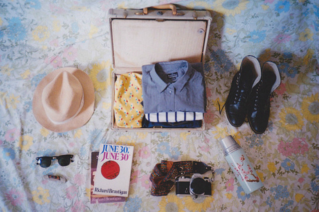 uk lifestyle blog vivatramp packing what to pack for a weekend away him her checklist