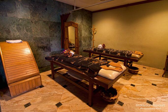 amoaras-spa-holiday-villa-hotel-suites-subang