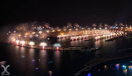 Dubai 2014 Hyper-mega-fireworks by DanielKHC