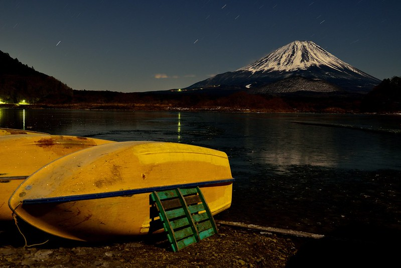月光の精進湖