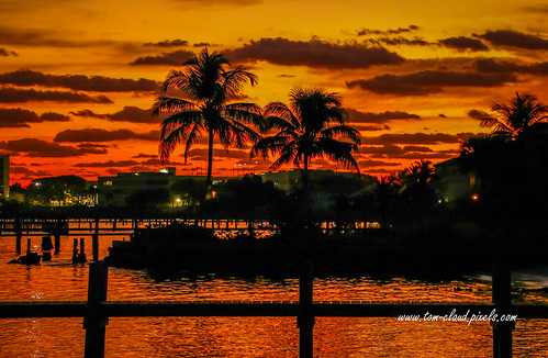 sun sunrise morning orange sky orangesky clouds cloudy boardwalk downtownstuart florida usa nature mothernature weather outdoors outside
