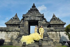 *Trowback from outdoor prewedding photoshoot for Tina & Doan at Candi Plaosan Temple Klaten Jawa Tengah.  Foto prewedding by @poetrafoto, http://prewedding.poetrafoto.com Makeup & wardrobe by @naia_salon  Follow IG: @poetrafoto untuk lihat foto pre+weddin