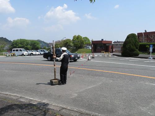 佐賀競馬場の警備員さんに通してもらうタクシー