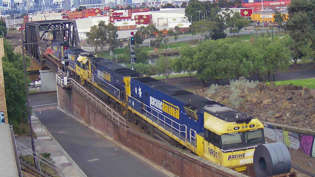 NR69-NR98-NR91 2WM2 Bulk Steel Traffic from Wollongong to Long Island (BHP) at 2017-4-17 by KKVCAM HD