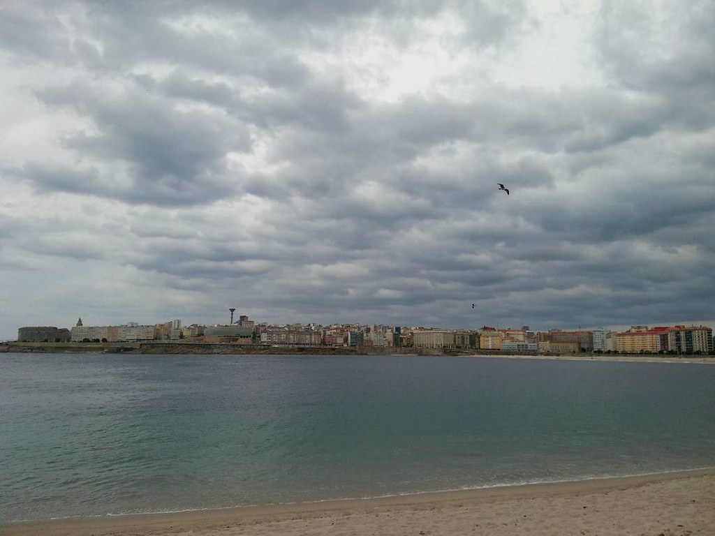 Riazor esta tarde. #beach #riazor #nubes #clouds #photography