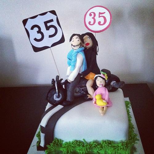 #motorcyclecake#35yaspastasi#family#sugarart #sugarpaste #sekerhamurlupastalar by l'atelier de ronitte