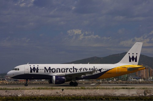 MONARCH CO.UK A320.