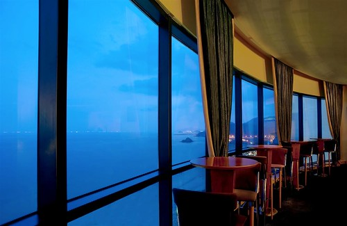 restaurant hotel unitedarabemirates fujairah spg starwood holidayresort starwoodresorts starwoodhotels lemeridienalaqahbeachresort meetingresort lemeridienhotelsandresorts viewfromastrosbar