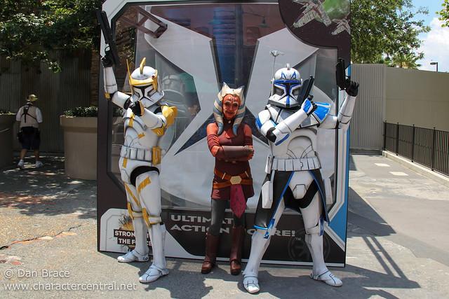 Meeting Ahsoka Tano, Commader Cody and Captain Rex!
