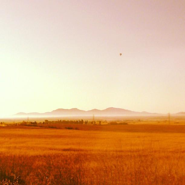 Bon dia! #bondia #mallorca #airballoon #vilafranca #sunday #diumenge #sunrise