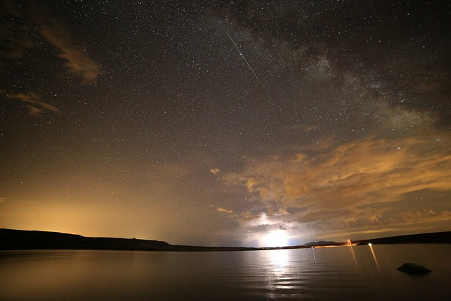 Milkyway, Meteor and lightning