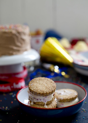 Ice Cream Sandwiches / The Gluten Free Scallywag
