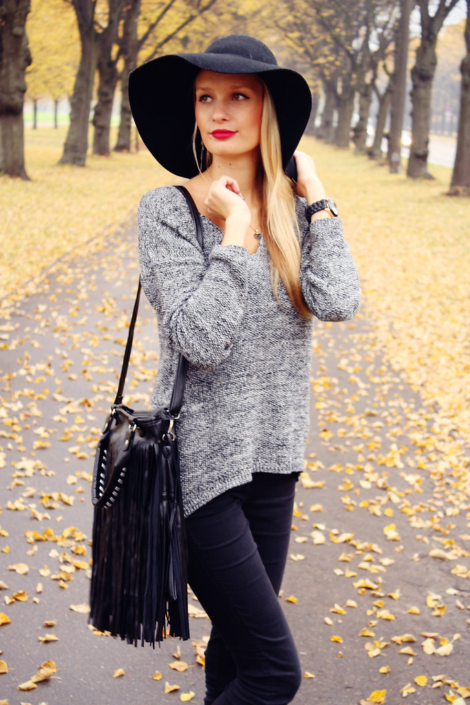 Call me Maddie: Grey knits + floppy hat