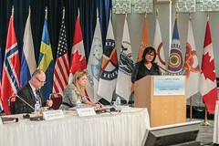 Minister_Leona_Aglukkaq_addresses_executive_meeting