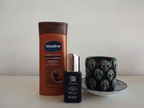 Vaseline Essential Moisture Cocoa Radiant and Nude Pro Genius Treatment Oil