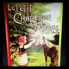 ★ livre du soir bonsoir ★ #ourlittlefamily #lepetitchaperonrouge #ourlittlefamily #france