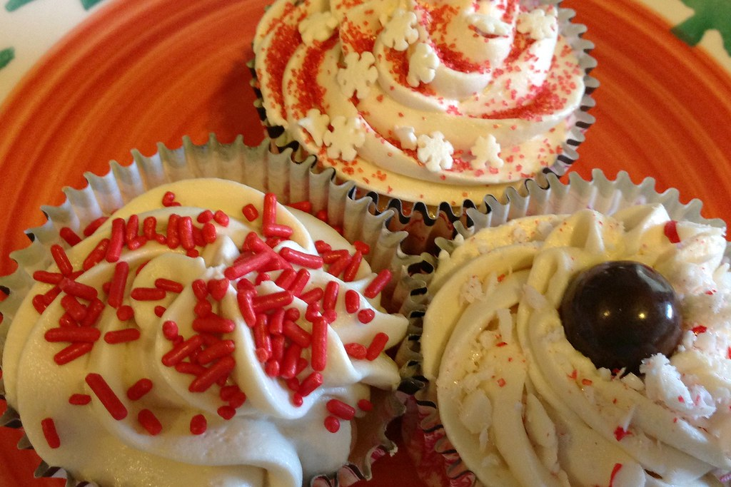 Christmas Cupcakes - Tree Plate