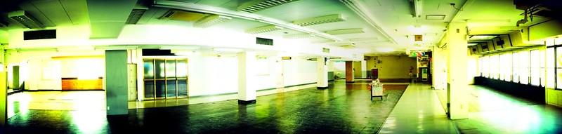 岡ビル百貨店3階
