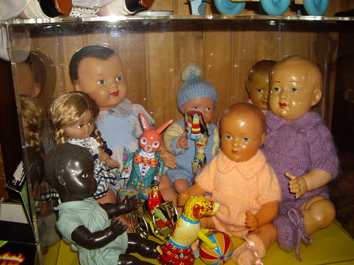 Les poupées de ma maison  11368043183_3403150c7b