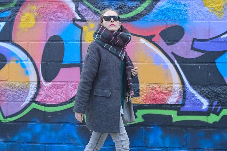 lara-vazquez-madlula-blog-cocoon-coat-tartan-foulard