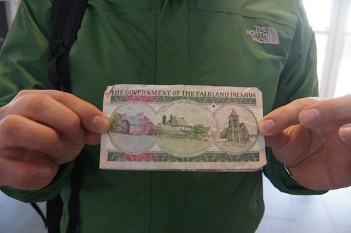 057 Falkland ponden