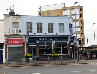 Pepper's Ghost, Leyton, E10