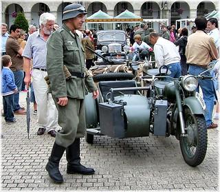 5419-Recreacion militar en la Plaza de Maria Pita en A Coruña