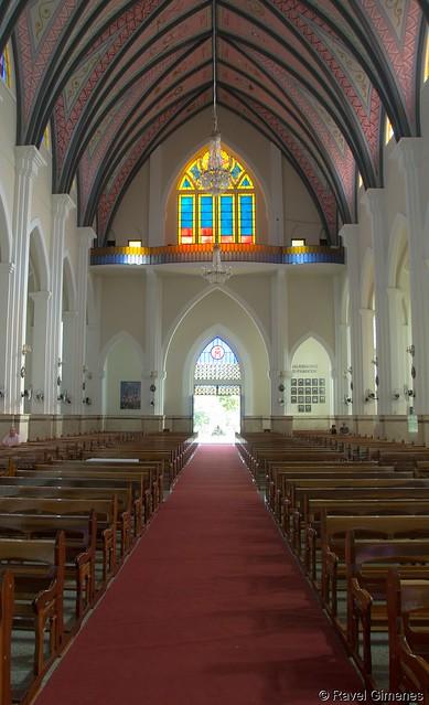 Catedral Nossa Senhora Aparecida - Votuporanga - SP Área Interna - 15.04.2017