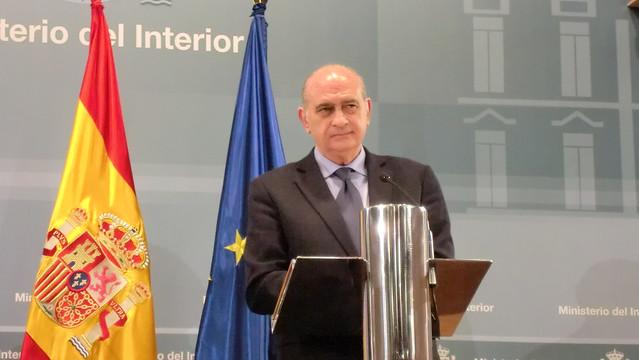 Los ministros del interior de espa a y francia han clausur for Ministro de interior espana