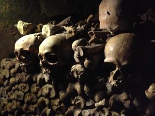 31_catacombs_skulls