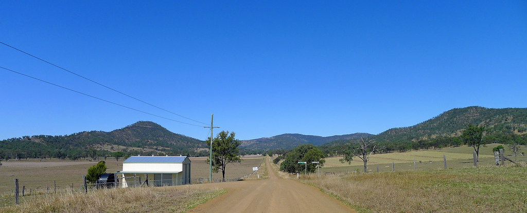 Views along the eastern edge of the Little Liverpool Range from Grandchester-Mt Mort Road
