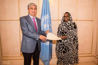 NEW PERMANENT REPRESENTATIVE OF SUDAN PRESENTS CREDENTIALS TO DIRECTOR-GENERAL OF UNOG