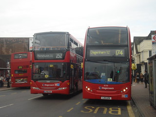 Stagecoach 15010 (252), 19719 (174), Romford Station