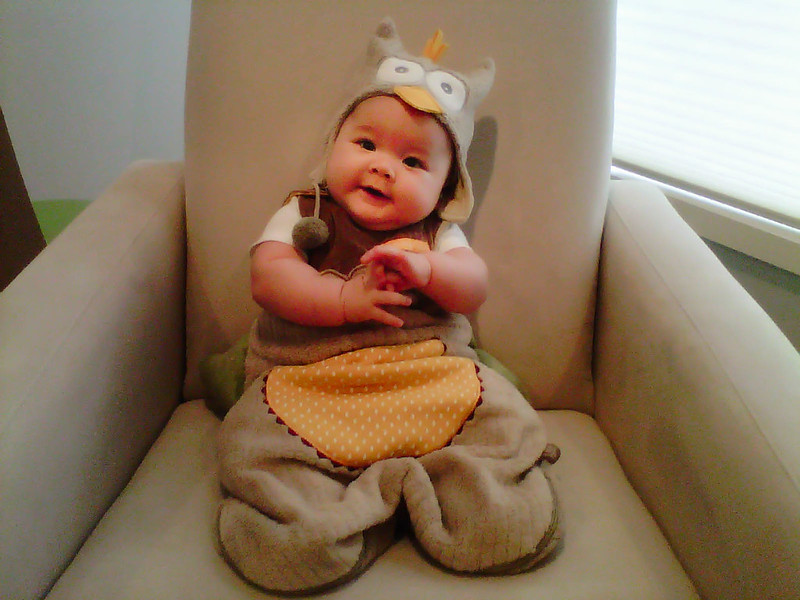 cute & little blog | dylan 4 months | baby owl costume