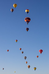 parachute(0.0), wing(0.0), extreme sport(0.0), toy(0.0), aircraft(1.0), hot air balloon(1.0), vehicle(1.0), hot air ballooning(1.0), balloon(1.0), sky(1.0),