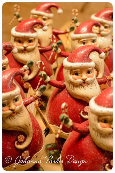 Balancing-Santas
