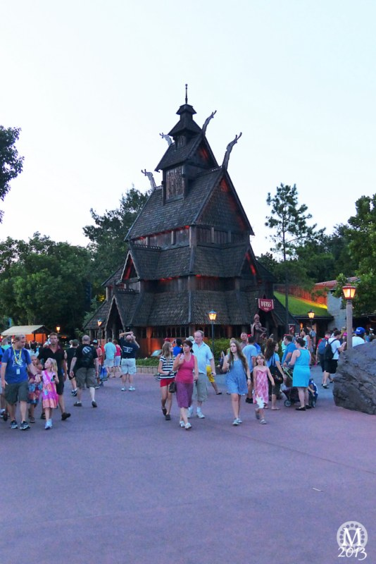 Norway, Mexico, Canada + UK Pavilions – Epcot World Showcase | Back To The Magic 2013