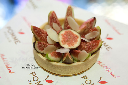 Fresh fig and marzipan tart