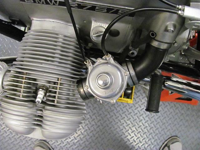 13 bmw 1973 r75 5 install carburetors and cables brook 39 s airhead garage. Black Bedroom Furniture Sets. Home Design Ideas