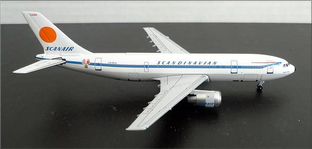 1/400th Scale Scandinavian Air Airbus 300 (by Aeroclassics)