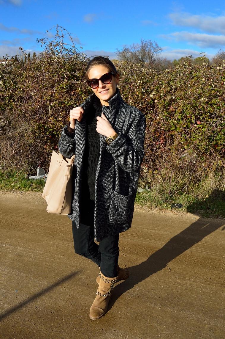 lara-vazquez-madlula-blog-black-casual-look-all-terrain-boots