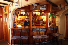 cafã©(0.0), bar(0.0), tavern(1.0),