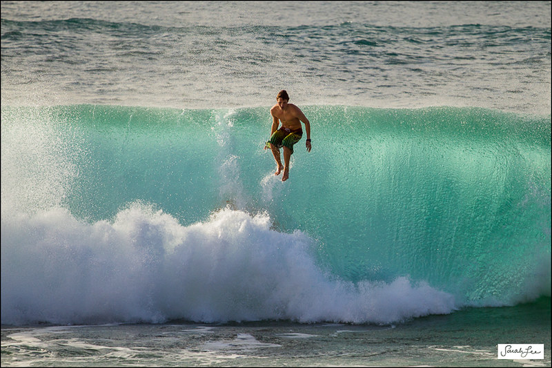 waimea-bay_shorebreak_wipeout_freefall_017.jpg